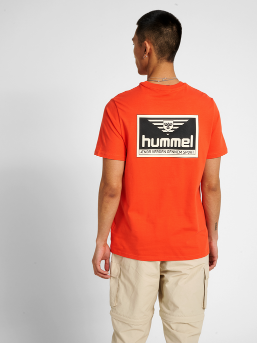 hmlFERIE T-SHIRT, FIESTA, model