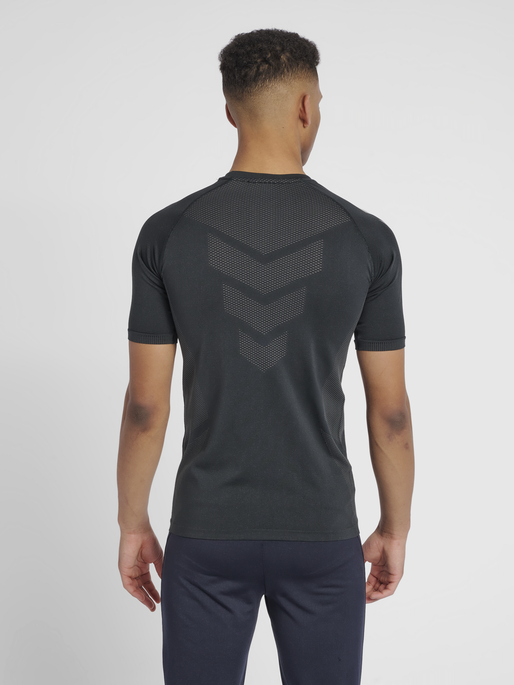 hmlAUTHENTIC PRO SEAMLESS JERSEY S/S, ANTHRACITE, model