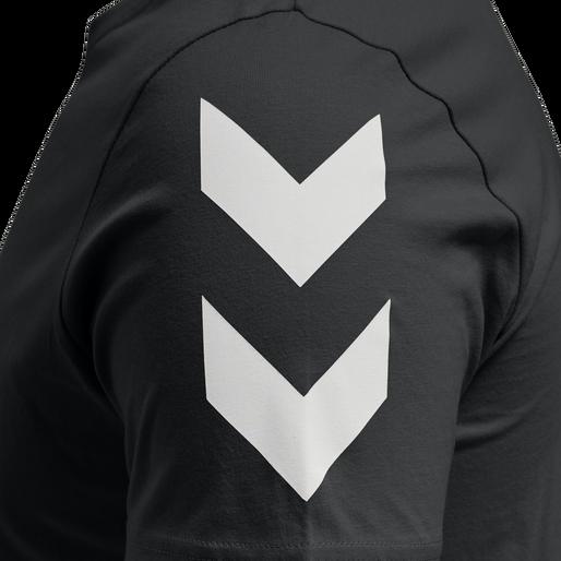 hmlLEGACY CHEVRON T-SHIRT, BLACK, packshot