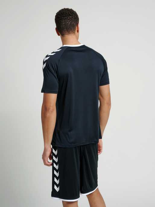 CORE TEAM JERSEY S/S, BLACK, model
