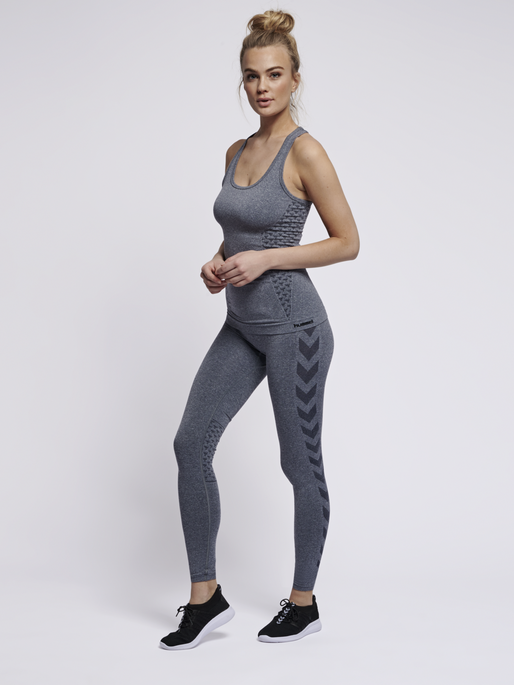 CLASSIC BEE CI SEAMLESS TIGHTS, OMBRE BLUE MELANGE, model