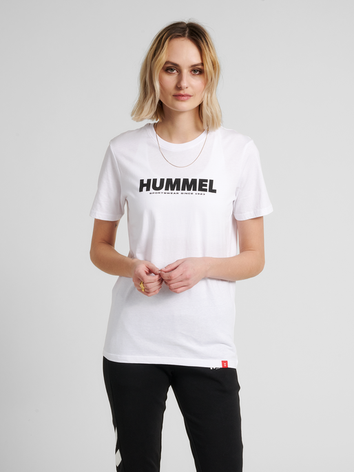 hmlLEGACY T-SHIRT, WHITE, model
