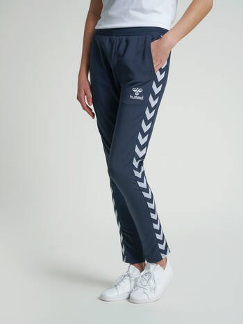 hmlNELLY 2.0 TAPERED PANTS, BLUE NIGHTS, model