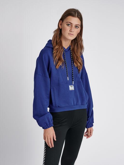 hmlVIG LOOSE HOODIE, MAZARINE BLUE, model