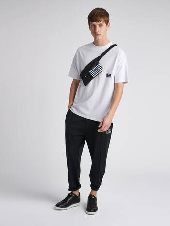 hmlBEACH BREAK T-SHIRT S/S, WHITE, model