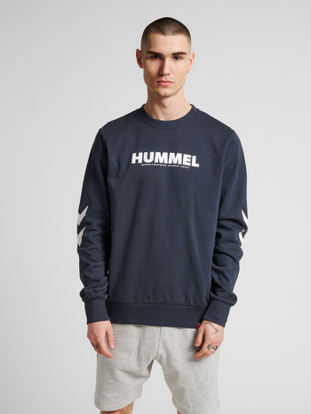 hmlLEGACY SWEATSHIRT, BLUE NIGHTS, model