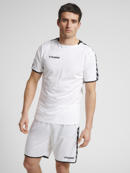 hmlAUTHENTIC TRAINING TEE, WHITE, model
