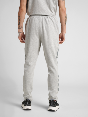 hmlLEGACY TAPERED PANTS, GREY MELANGE, model