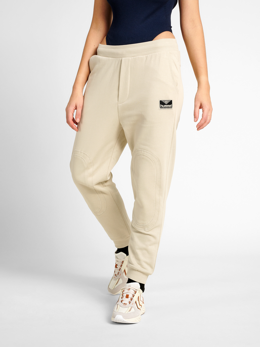hmlTEMPO PANTS, PELICAN, model