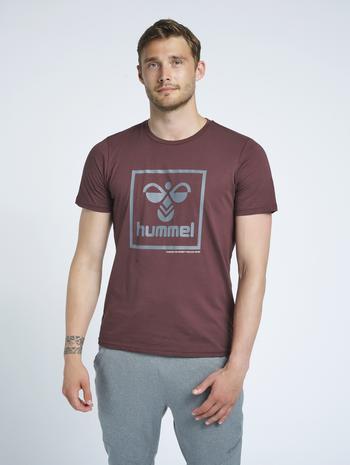 hmlISAM T-SHIRT, FUDGE , model