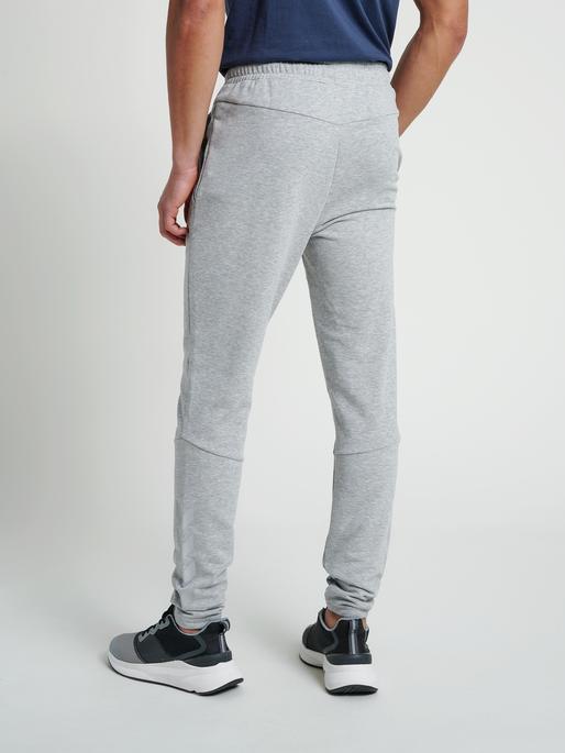 hmlISAM TAPERED PANTS, GREY MELANGE, model