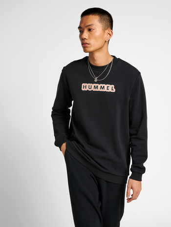 hmlTEMPO SWEATSHIRT, BLACK, model
